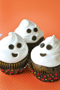 Chocolate Cupcakes With 7-minute Marshmallow Frosting Recipes ...